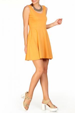 Платье Rocawear. Цвет: горчичный