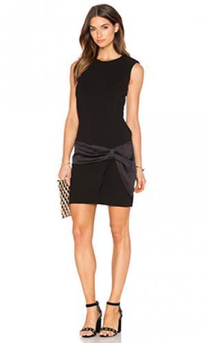 Мини платье без рукавов с вырезом IKKS Paris. Цвет: черный