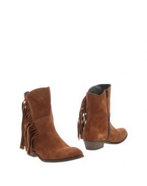 Полусапоги и высокие ботинки UNLACE. Цвет: коричневый