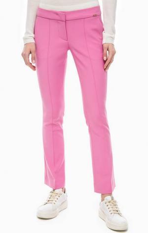Расклешенные брюки розового цвета Cinque. Цвет: розовый
