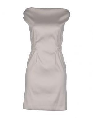 Короткое платье GOOD ON HEELS. Цвет: серый