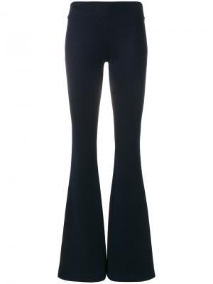 Трикотажные расклешенные брюки Galvan. Цвет: синий