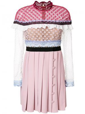 Вязаное крючком платье с плиссированной юбкой Self-Portrait. Цвет: розовый и фиолетовый
