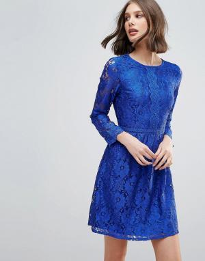 Uttam Boutique Короткое приталенное платье с кружевом. Цвет: синий