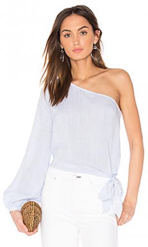 Романтическая блуза с одним рукавом и открытым плечом LAcademie L'Academie. Цвет: белый