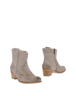 Полусапоги и высокие ботинки CORVARI. Цвет: серый