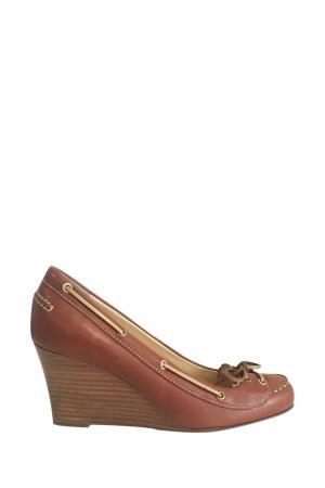 Туфли Christian Louboutin. Цвет: коричневый