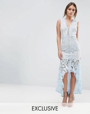 Love Triangle Кружевное платье без рукавов с баской. Цвет: синий