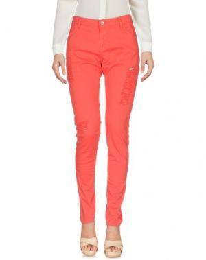 Повседневные брюки KORALLINE. Цвет: коралловый