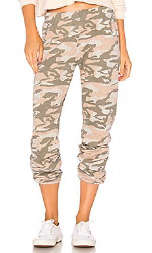 Свободные брюки MONROW. Цвет: розовый