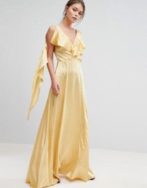 True Violet Атласное платье макси с оборками. Цвет: желтый