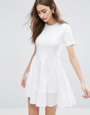 ASOS Короткое приталенное платье-футболка из хлопка. Цвет: белый