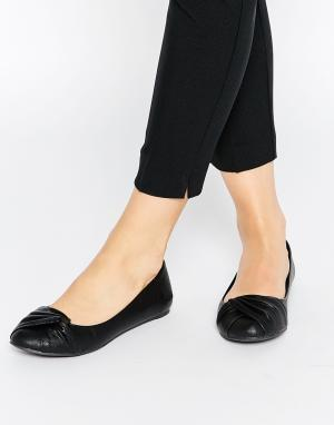 Blowfish Остроносые туфли на плоской подошве Naina. Цвет: черный