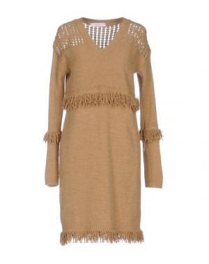 Короткое платье ALFONSO RAY. Цвет: верблюжий