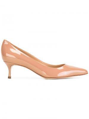 Классические туфли с блестящей отделкой Sergio Rossi. Цвет: телесный