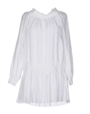 Короткое платье NIOI. Цвет: белый