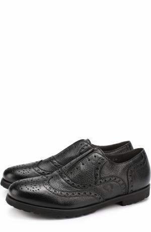 Кожаные оксфорды без шнуровки с брогированием Rocco P.. Цвет: черный