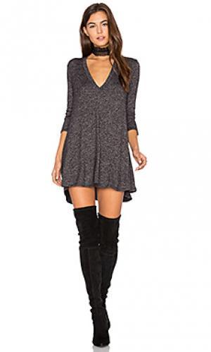 Платье kevin Riller & Fount. Цвет: серый