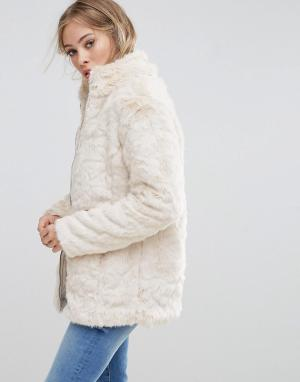 B.Young Куртка из искусственного меха. Цвет: кремовый