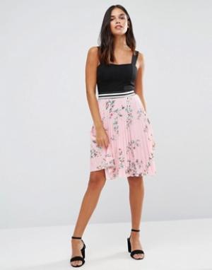 Wal G Плиссированная юбка с цветочным принтом. Цвет: розовый