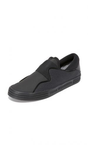 Кроссовки без шнурков  Sunja Y-3. Цвет: базовый черный/базовый черный