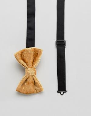 ASOS Золотистый бархатный галстук-бабочка. Цвет: золотой