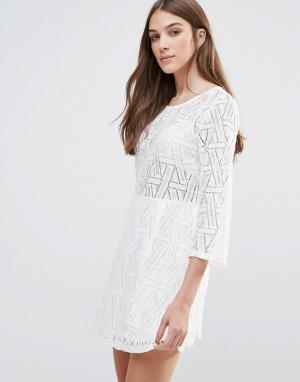 Liquorish Платье мини с длинными рукавами и ажурным кружевом Liqurosh. Цвет: белый