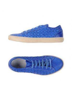 Низкие кеды и кроссовки PANTOFOLA D'ORO. Цвет: синий