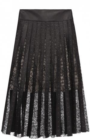 Плиссированная юбка с кожаными и кружевными вставками Alice + Olivia. Цвет: черный