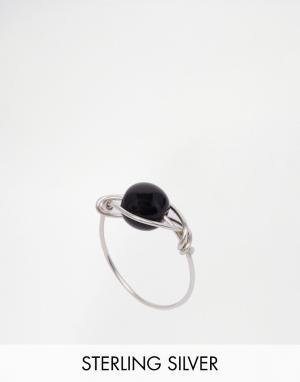 Kat&Bee Серебряное кольцо с черной бусиной Kat & Bee Simple. Цвет: серебряный
