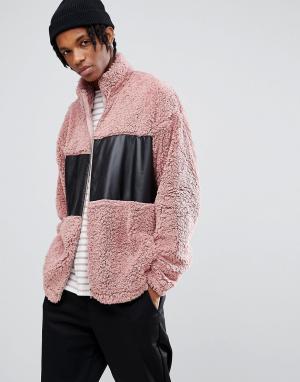 ASOS Спортивная оверсайз-куртка из искусственного меха с тканевой вставкой. Цвет: розовый
