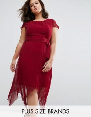 Praslin Платье размера плюс с короткими рукавами. Цвет: красный