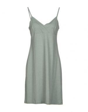 Короткое платье NIU'. Цвет: светло-зеленый