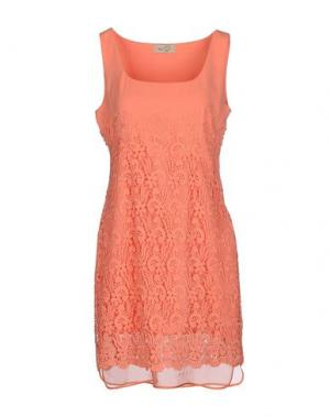 Короткое платье KI6? WHO ARE YOU?. Цвет: коралловый