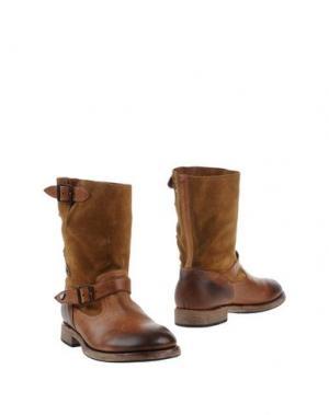 Полусапоги и высокие ботинки HTC. Цвет: коричневый