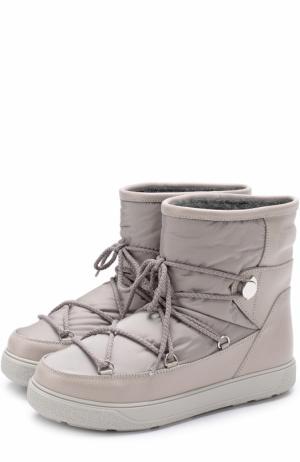 Комбинированные утепленные сапоги на шнуровке Moncler. Цвет: светло-серый