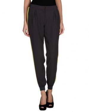 Повседневные брюки EMMA COOK. Цвет: свинцово-серый