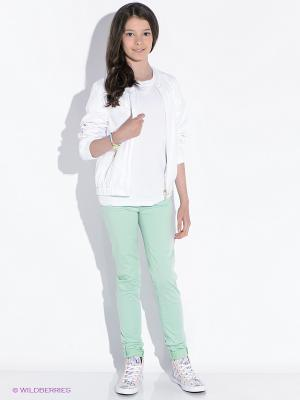 Куртка GUESS. Цвет: белый