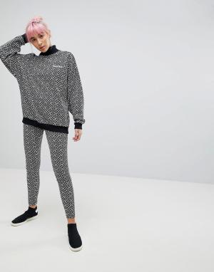 Adidas Originals Леггинсы с принтом. Цвет: белый