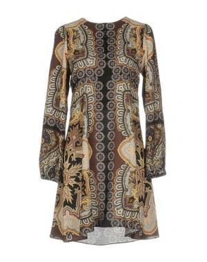 Короткое платье HALE BOB. Цвет: коричневый