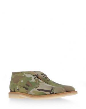 Полусапоги и высокие ботинки MARK MCNAIRY. Цвет: зеленый-милитари