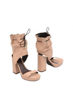 Полусапоги и высокие ботинки TIFFI. Цвет: бежевый