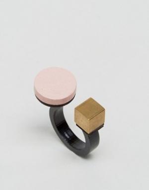 Wolf & Moon Кольцо с кругом и кубом. Цвет: розовый