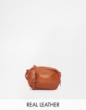 Jas M.B. Бежевая кожаная сумка для фотоаппарата MB. Цвет: коричневый