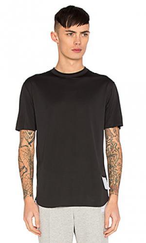 Легкая футболка Satisfy. Цвет: черный