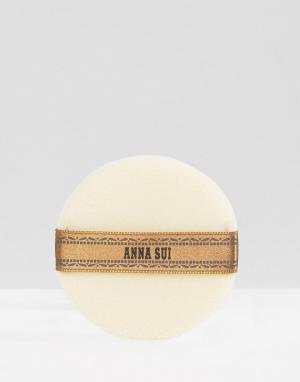 Anna Sui Пуховка для пудры. Цвет: бесцветный
