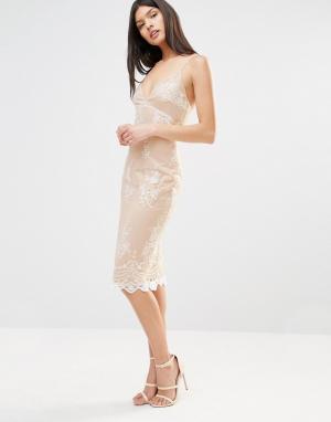 Club L Платье миди на бретельках с кружевной накладкой. Цвет: бежевый