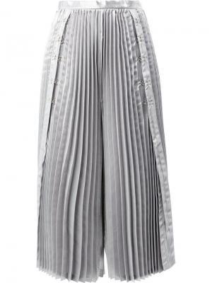 Укороченные плиссированные брюки Comme Des Garçons Noir Kei Ninomiya. Цвет: металлический
