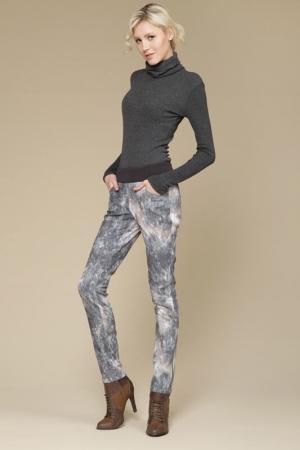 Брюки джинсовые Gloss. Цвет: оригинал