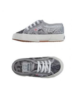 Низкие кеды и кроссовки SUPERGA®. Цвет: серый